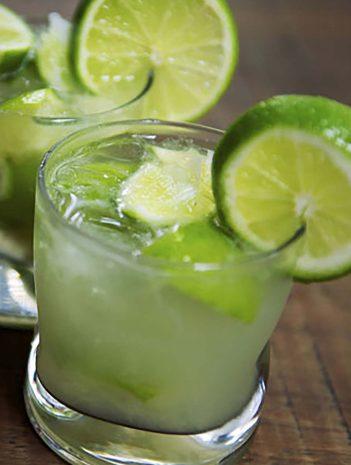 Elaboración de bebidas de vodka