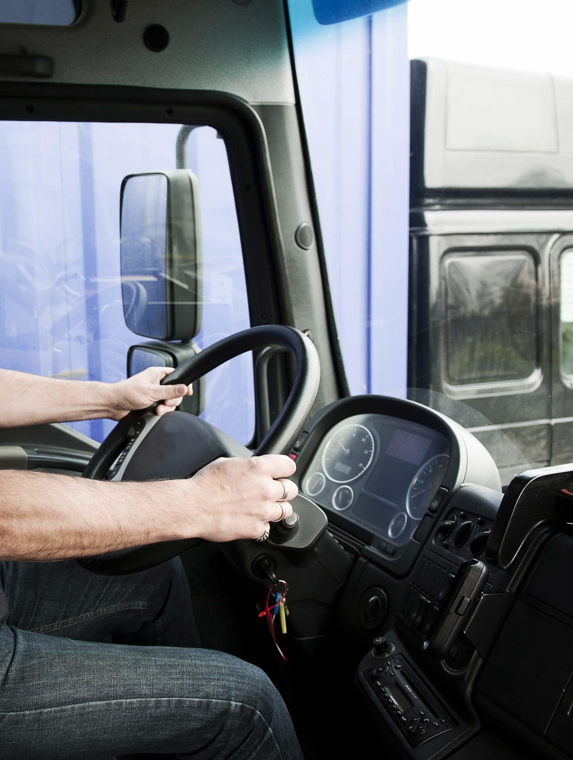 Conducción económica y segura de vehículos de transporte