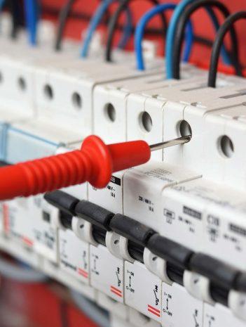 Elementos eléctricos en las máquinas