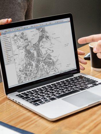 Herramientas de gestión del suelo SIG con software (GvSIG)
